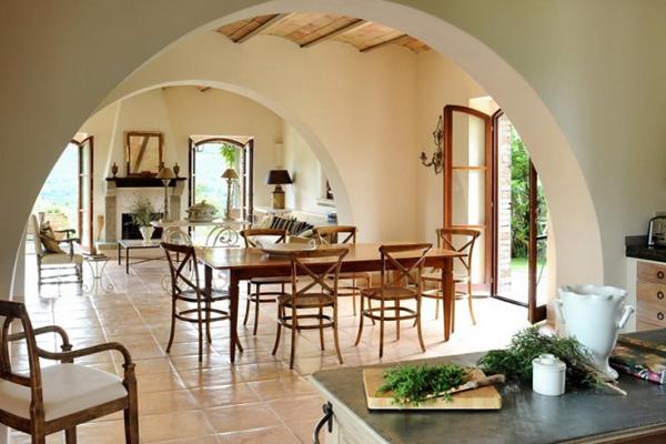 Col delle Noci Italian Villa rustic dining room 665x443 Col delle Noci: Mistična italijanska vila
