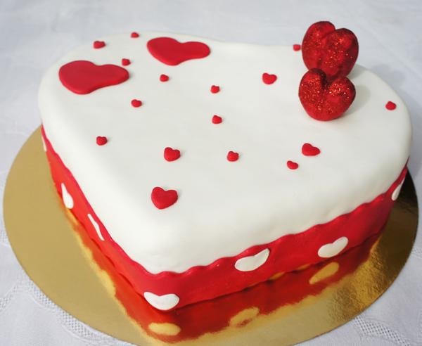 Nº 54 Heart Sparkling Cake Dan zaljubljenih: Idealni pokloni za Njega