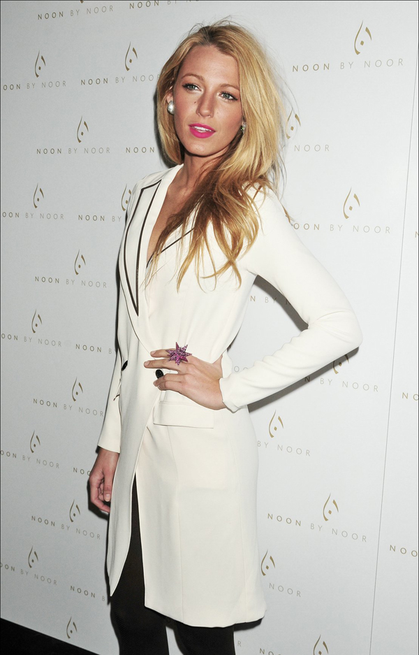 Noon By Noor Fall 2012 presentation During Mercedes Benz Fashion Week February 15 10 odevnih kombinacija: Blake Lively