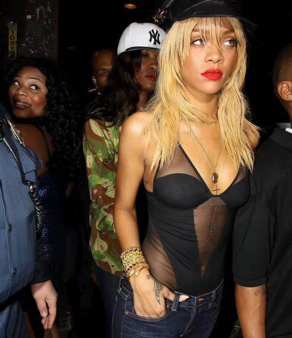 Riri02 Trach Up: Rihanna se pokazala