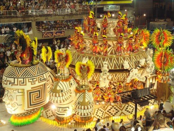 SLIKA 21 Karneval: Parada životne radosti