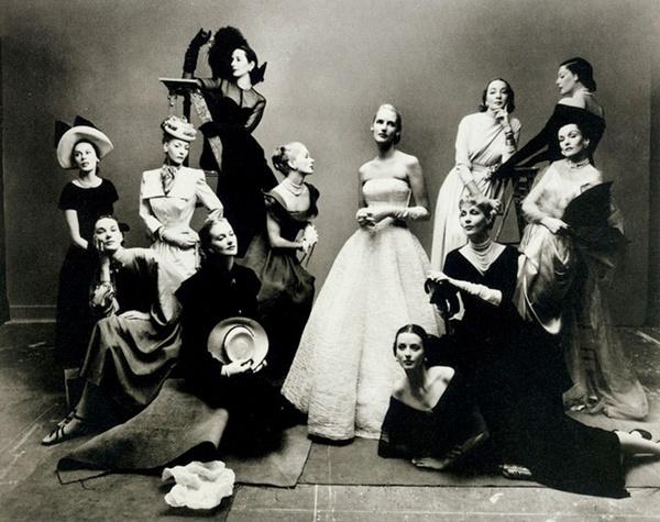 SLIKA 4 irving penn 1947 vogue cover Istorija modne fotografije: Prvi koraci