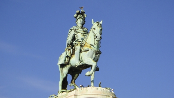 Slika 414 Trk na trg: Praça do Comércio, Lisabon
