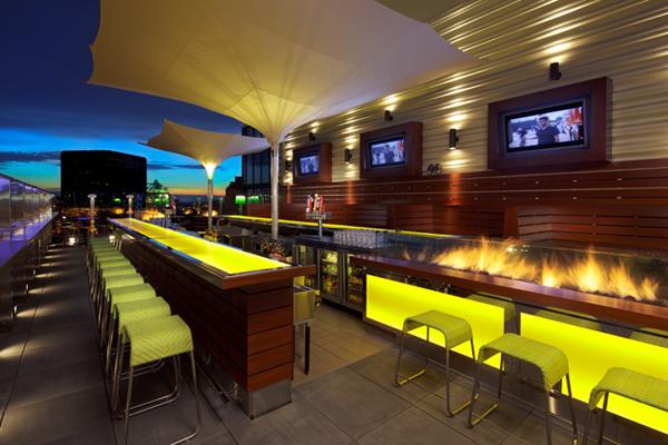 Slika24 Top 10 najlepših barova na krovovima zgrada