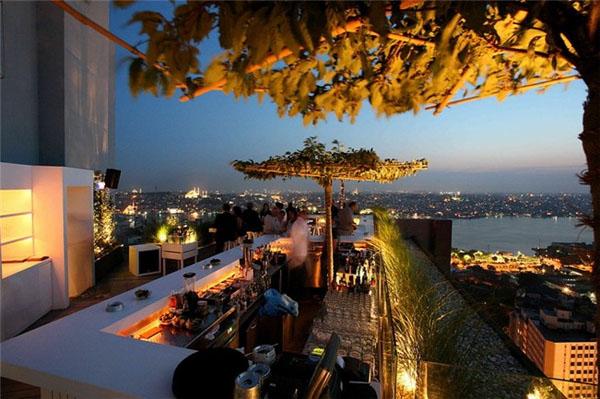 Slika62 Top 10 najlepših barova na krovovima zgrada
