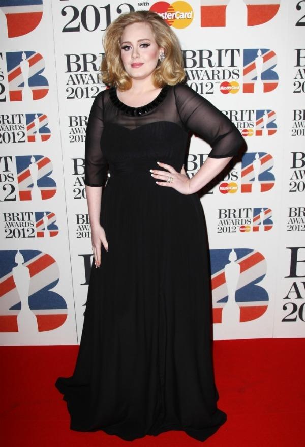 adeleburberry Crveni tepih dodele nagrada BRIT 2012