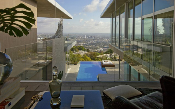 blue jay open living room with beautiful view Luksuzna vila u Los Anđelesu