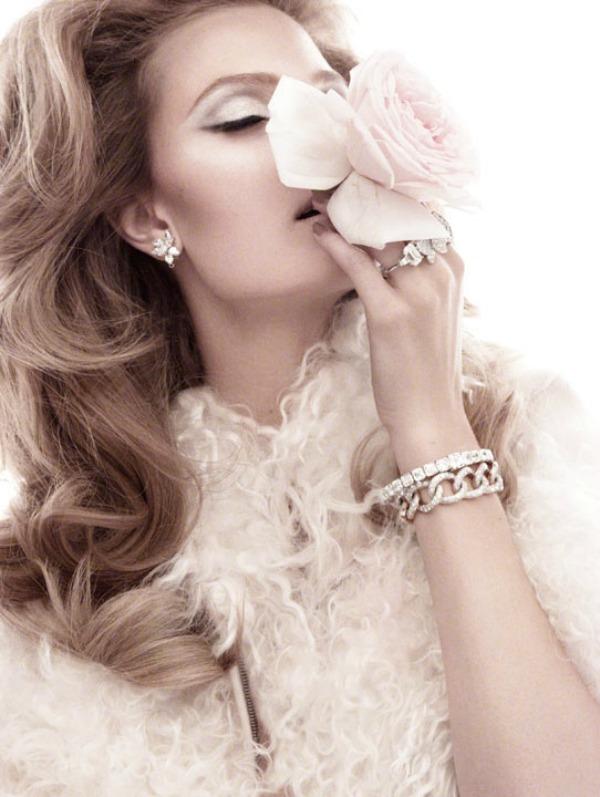 "constance jablonski4 ""Vogue Italia"": Snaga cveća"