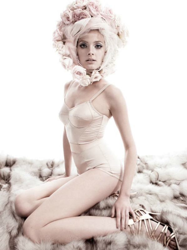 "constance jablonski6 ""Vogue Italia"": Snaga cveća"