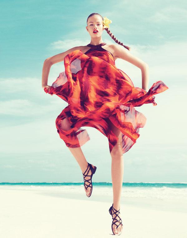 hailey bazaar 4 Harper's Bazaar US: Žurka na plaži