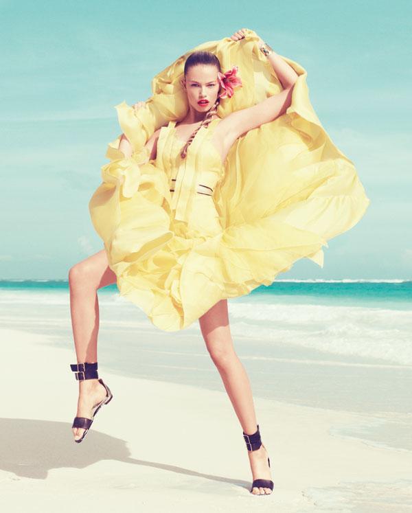 hailey bazaar 7 Harper's Bazaar US: Žurka na plaži
