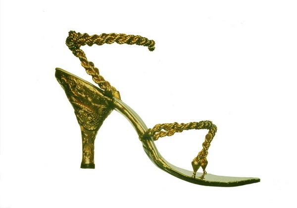 inovacije La Moda Italiana: Vi nosite cipele, ne one vas