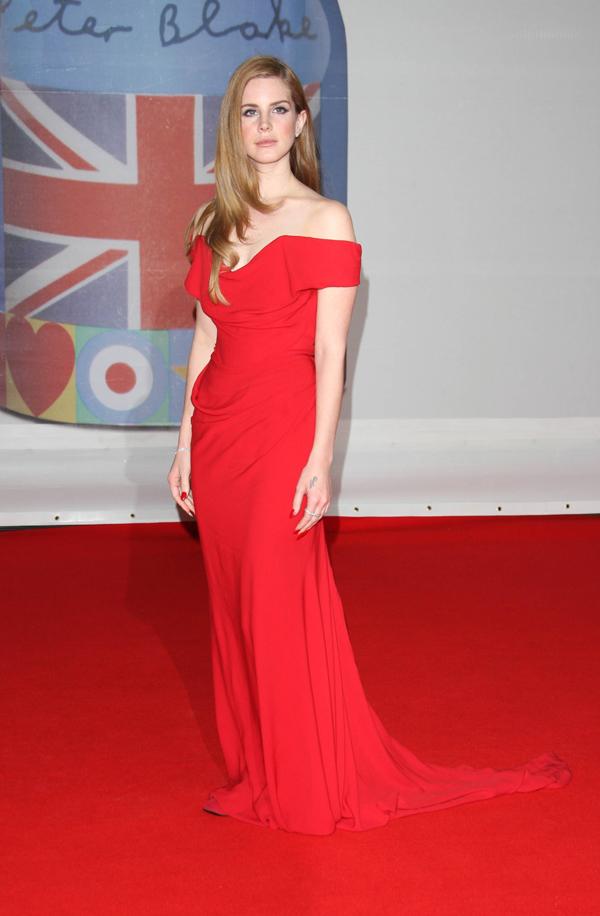 lanaviviennewestwood Crveni tepih dodele nagrada BRIT 2012
