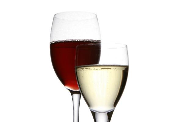 red and white wine Sa kakvim predznanjem idete u kafanu?