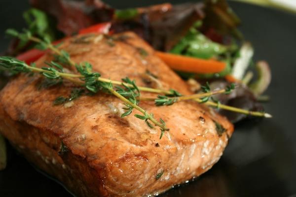 salmone Ljubav na usta ulazi: Doručak, ručak, večera