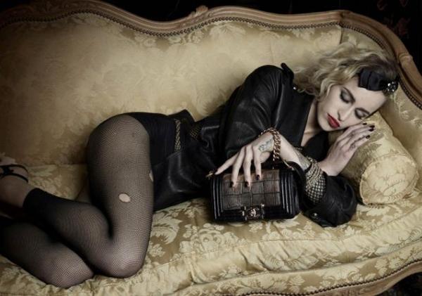 Chanel Boy Hangbags pe 2012 Modni zalogaji: Bogati modeli i mlade nade