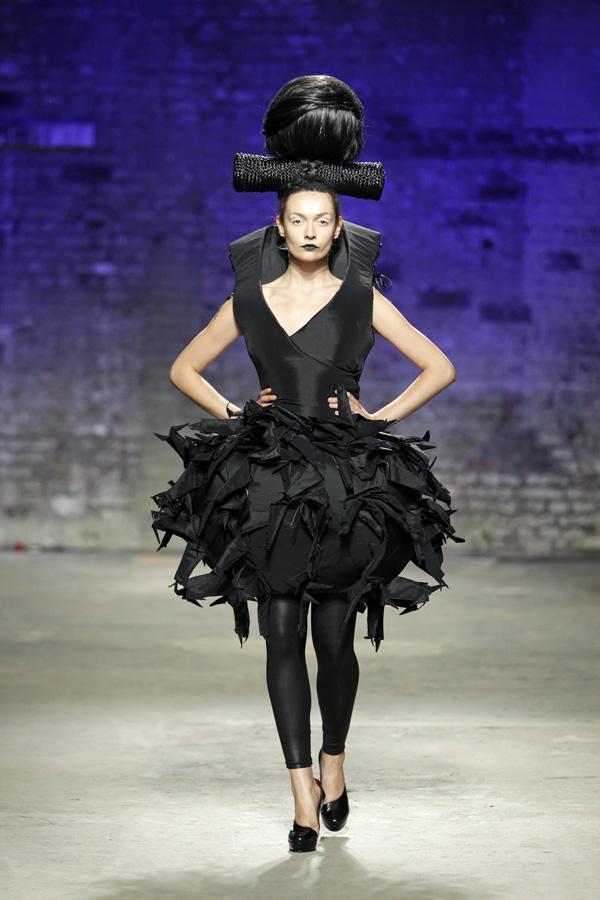 Ivana PILJA photo Peter Stigter FASHIONCLASH Maastricht 2012: Međunarodni i interdisciplinarni modni događaj