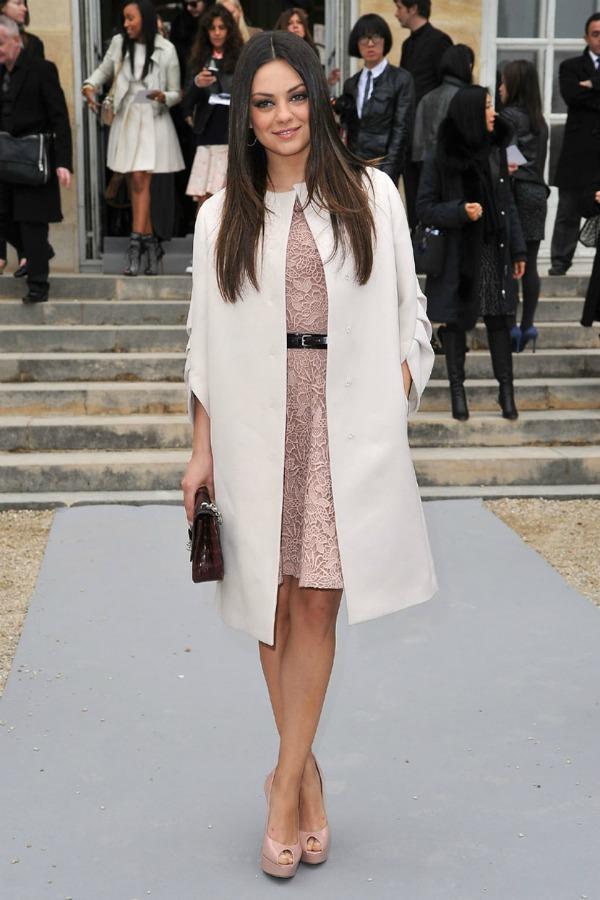 Mila Kunis At Christian Dior 2012 Show 2 Fashion Police: Megan Fox na vrhu