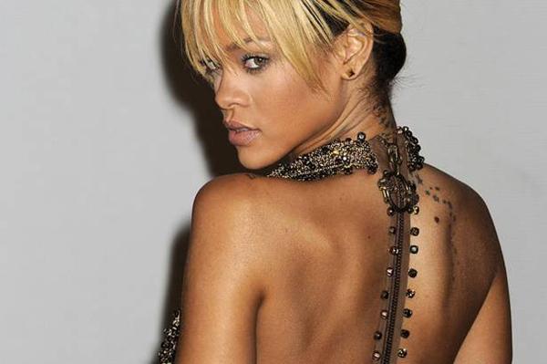Rihanna+arrives+for+the+Brit+Awards+2012+at+the+O2+Arena Modni zalogaji: Bogati modeli i mlade nade