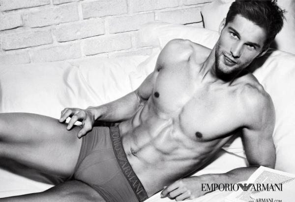 Slika 221 Armani Jeans i Emporio Armani Underwear: Muški seksepil