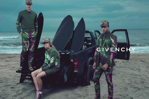Slika 222 Givenchy: Za devojke svedeno, za muškarce raskalašno