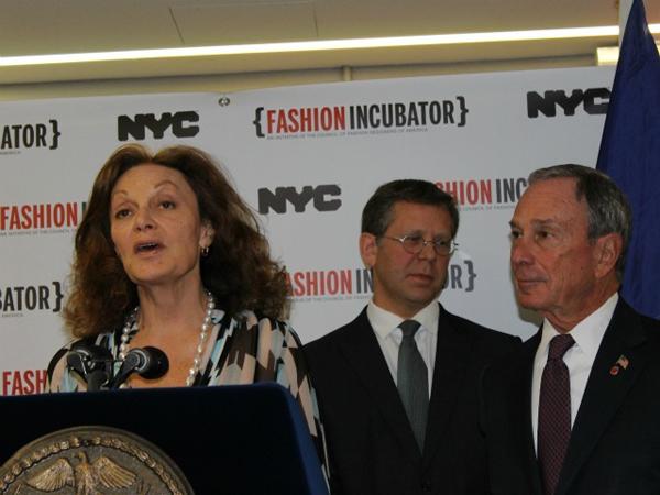 Slika 4 Dajana fon Firstenberg i gradonacelnik Majk podrzavaju modnu industriju Stil moćnih ljudi: Gradonačelnik Mike