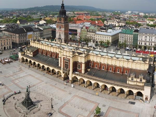 Trk na trg: Rynek Główny, Krakov