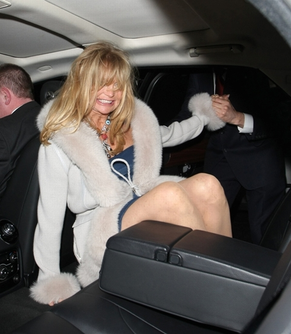 goldi04 Trach Up: Goldie Hawn se provodi