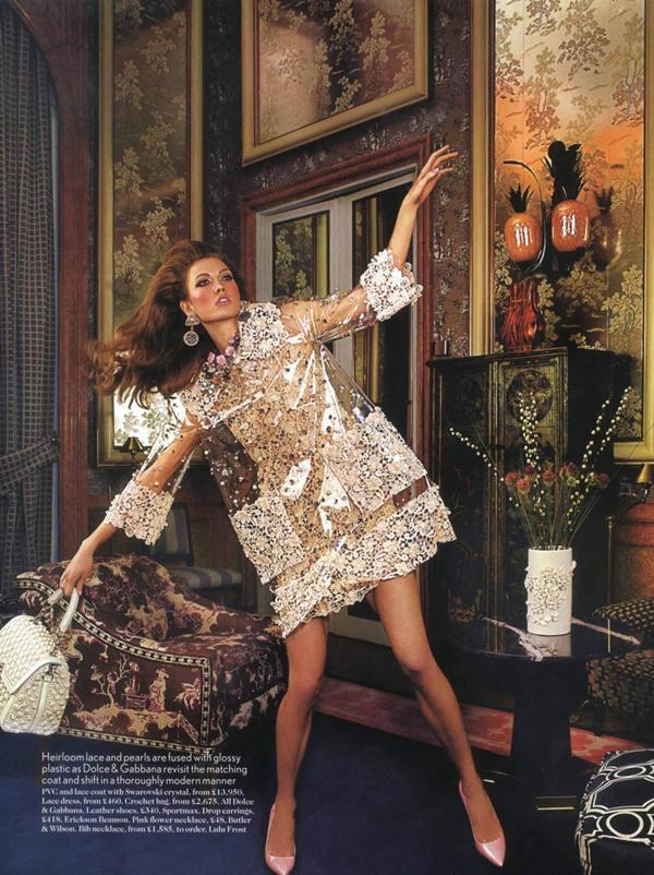 karlie uk 10 Vogue UK : Karlie Kloss u retro izdanju