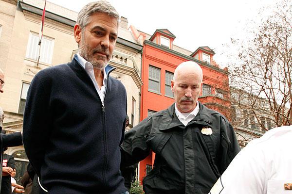 kluni Trach Up: Uhapšen George Clooney