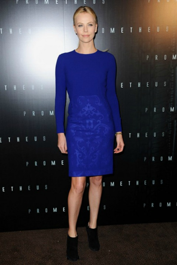 11116 00005eb60 1af6 orh750w480 Charlize Theron at a photocall for Prometheus in Paris Fashion Police: Nedelja dama u crnom