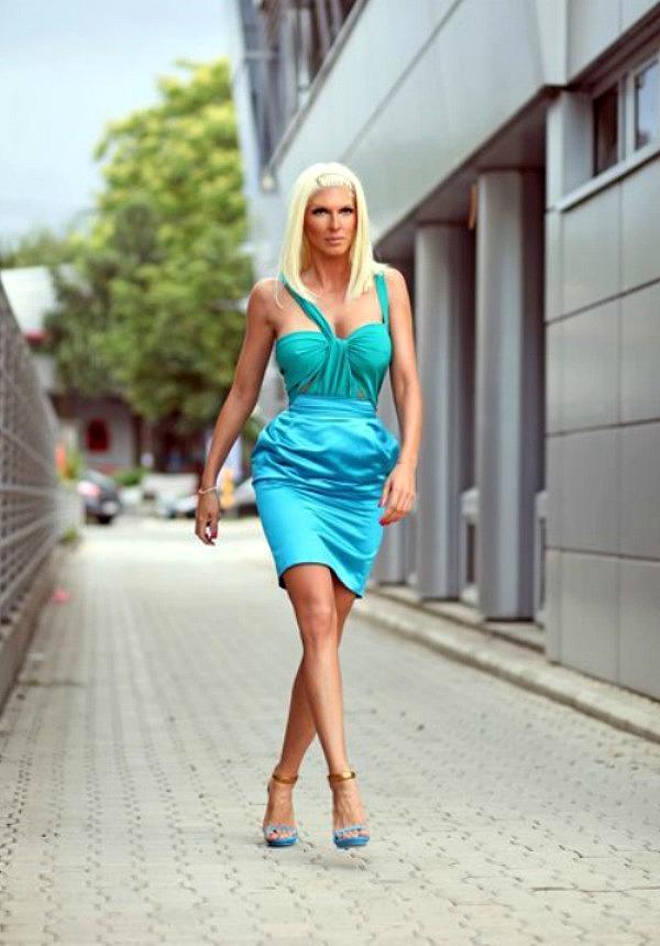 725 10 odevnih kombinacija: Jelena Karleuša