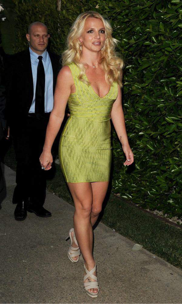 911 10 odevnih kombinacija: Britney Spears