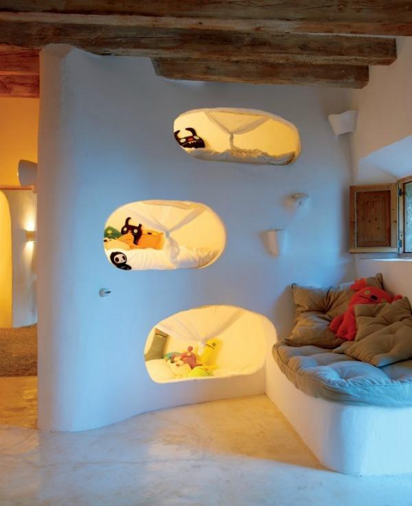 Cubby hole bunks 665x816 Kreveti na sprat: Komfor i trend