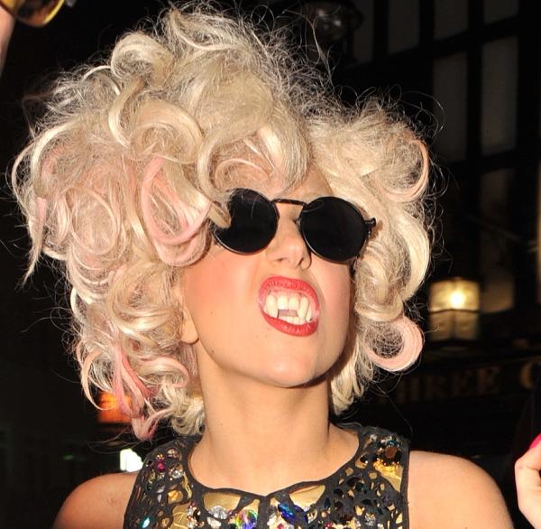 Gaga Trach Up: Lady Gaga sanja čizburger