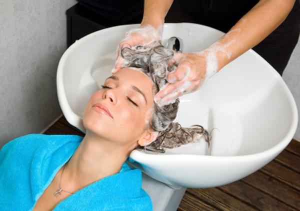 Slika 1 Pranje kose ne shvatajte olako Neka vaša kosa zablista