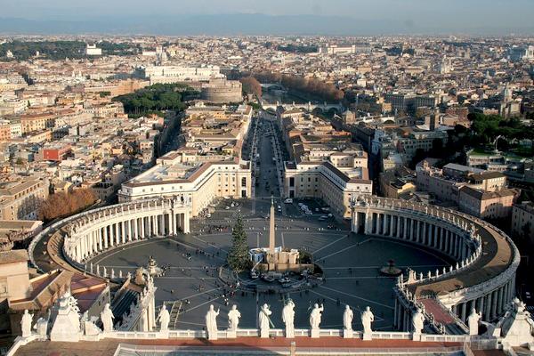 Slika 15 Trk na trg: Piazza San Pietro, Rim