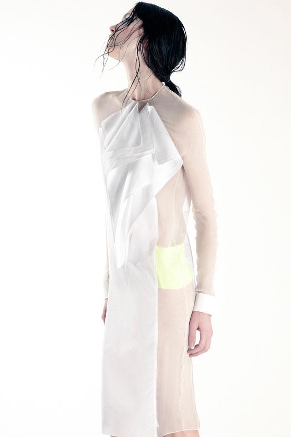 Slika 210 Gabriele Colangelo: Haljine za neobično proleće