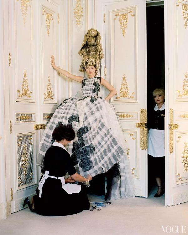 """katemossvogueusapril201211 """"Vogue US"""": Romantična pariska bajka"""