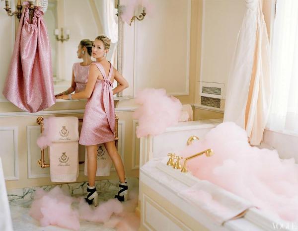 """katemossvogueusapril20129 """"Vogue US"""": Romantična pariska bajka"""