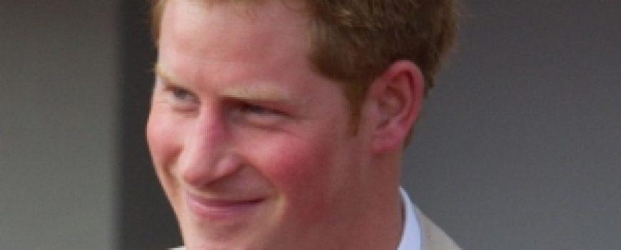 Trach Up: Princ Harry našao kraljicu
