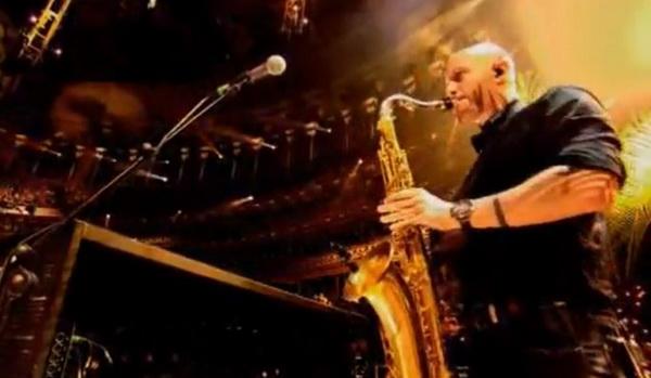 slika 225 Preminuo saksofonista grupe The Killers