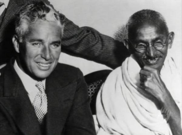 slika 6 Chaplin i Gandhi Srećan rođendan, Charlie Chaplin!