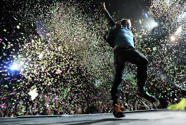 01. Coldplay 2 Publika koja svetli u mraku