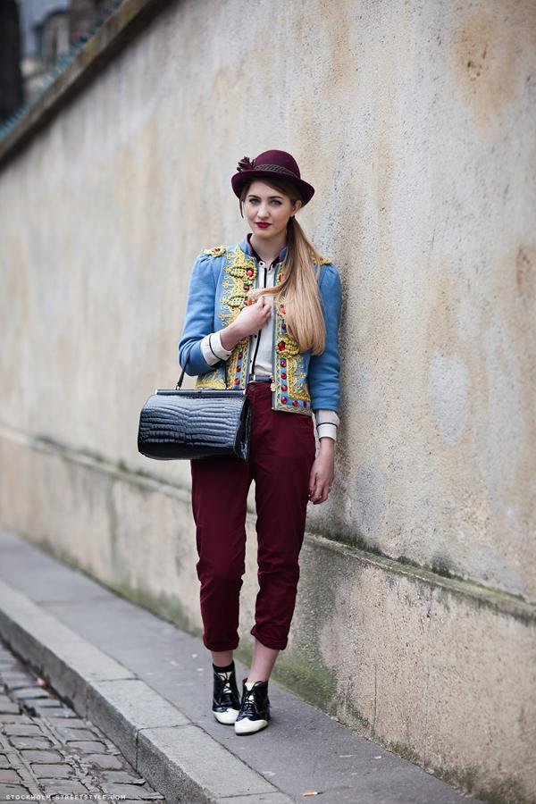 237079 980 Street Style: Dame šetaju ulicom