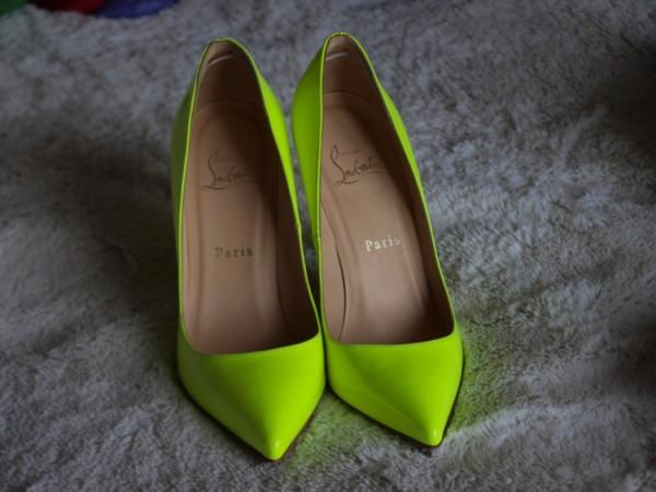 3. Neon cipele jo  bolje stoje kada pocrnite Prolećni trendovi koje morate imati u svom ormanu