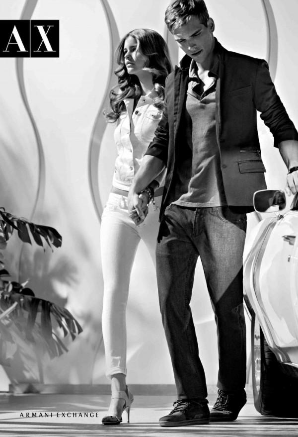 517 Armani Exchange: Moderni crno beli par