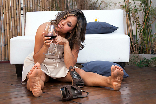 Drunk Girl Red Wine Žena bez bidermajera