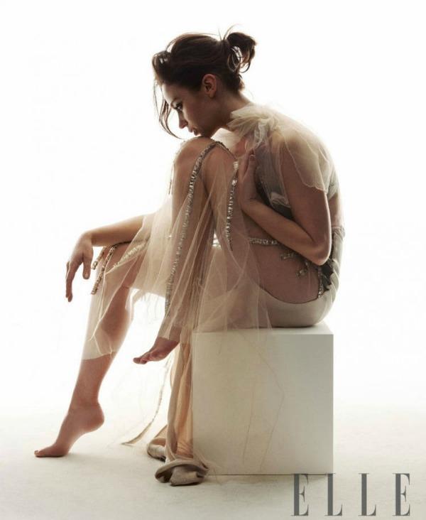 """Elle UK Emily Blunt 2 """"Elle Uk"""": Prolećno i romantično"""