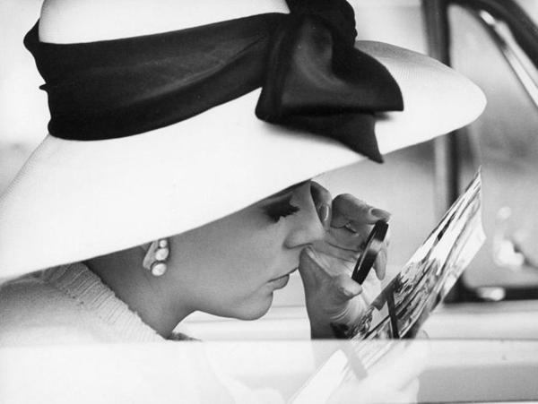Joan Collins. Fotografija i moda: Dodir zlatnog Holivuda